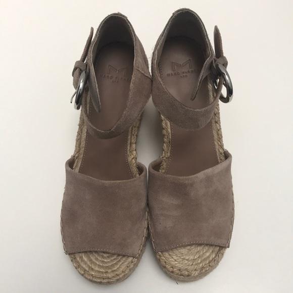 Marc Fisher scarpe     Alida Suede Espadrille Wedge Sz75   Poshmark 830a8a